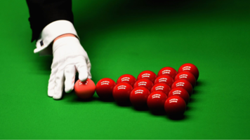12:00 Snooker: World Championship in Sheffield, United Kingdom